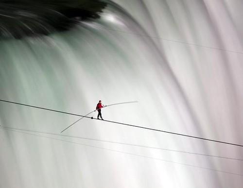 nik_wallenda_niagara_falls.jpg