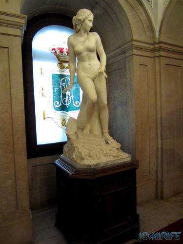 Lisboa - Palácio Nacional da Ajuda - Escadaria nobre - Estátua de mulher acorrentada (2) [en] Lisbon - Ajuda National Palace - Steps noble - Statue of woman chained