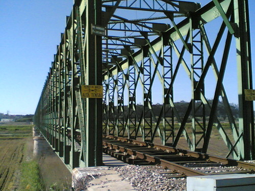 Ponte do comboio na Estação de B. Lares