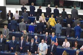 verachtung parlamento europeu.jpg