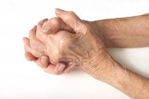 mãos com 90 anos!