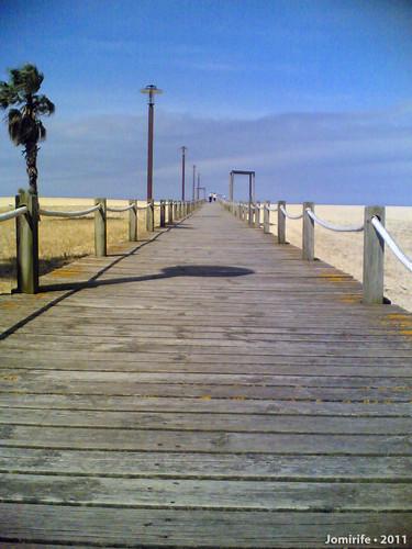 Oásis na praia da Claridade - Passadiço para o mar