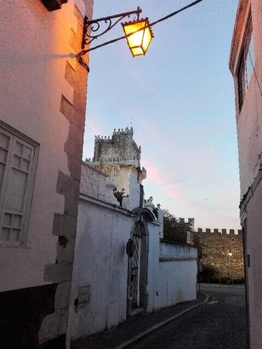 Castelo de Beja e Capela.jpg