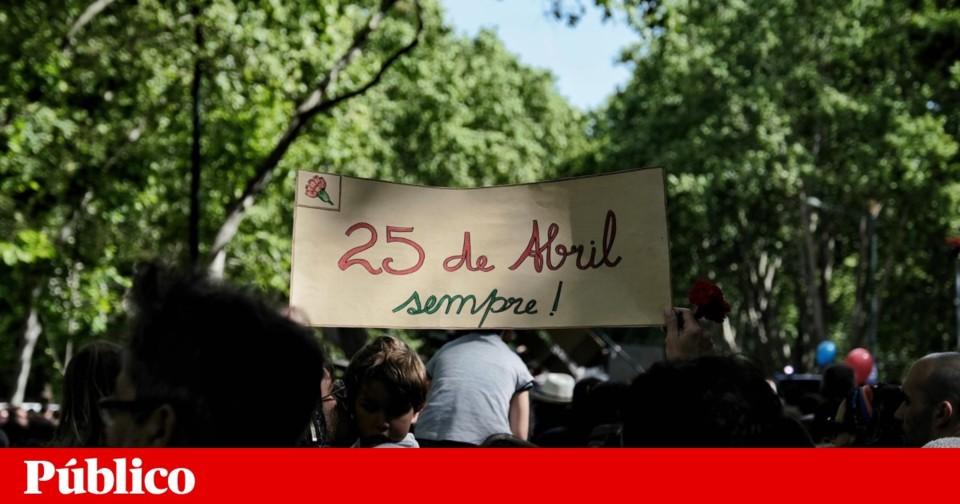 25 de abril.gif