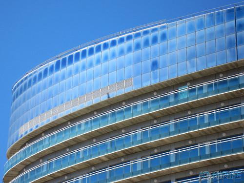 Hotel Galante Oasis Plaza com janelas sujas na Figueira da Foz [en] Hotel Galante Oasis Plaza with dirty windows in Figueira da Foz