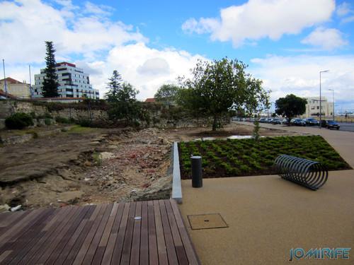 Obras inacabadas na zona ribeirinha da Figueira da Foz [en] Unfinished works in the riverside area of Figueira da Foz
