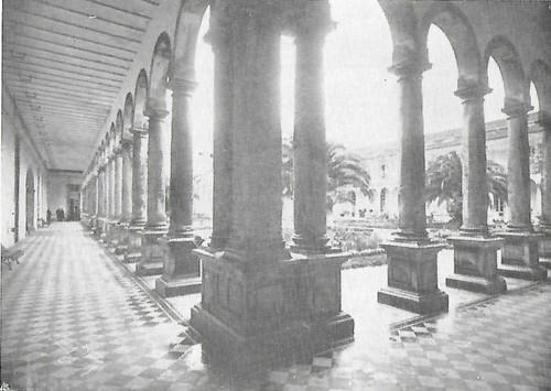 Colégio das Artes pátio.jpg
