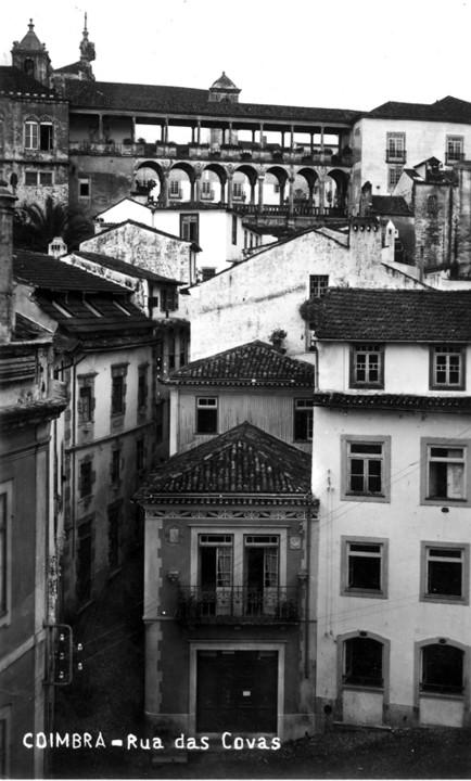 Rua das Covas, vista do lado da Sé Velha.jpg