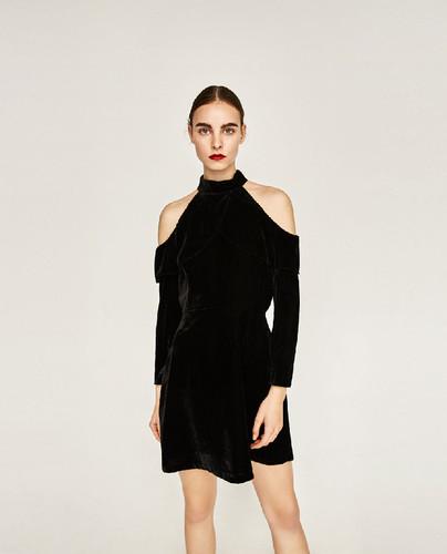 Zara-vestido-preto-3.jpg