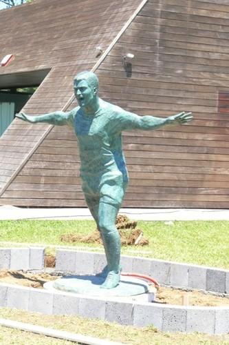 Estátua Pauleta 3.png