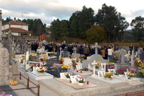 058 - Pla geral no interior do cemiterio.jpg