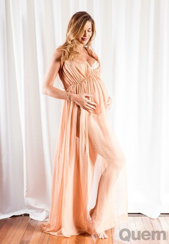 Ana Beatriz Barros 8 (grávida).jpg