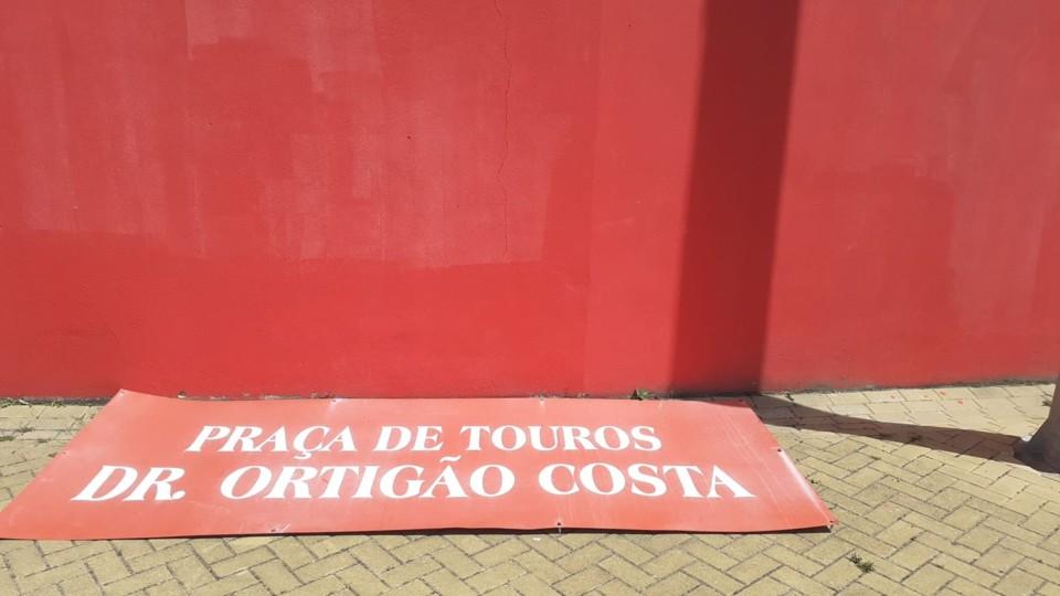 praça_toiros_DR_Ortigao_Costa_Azambuja_vandalizad