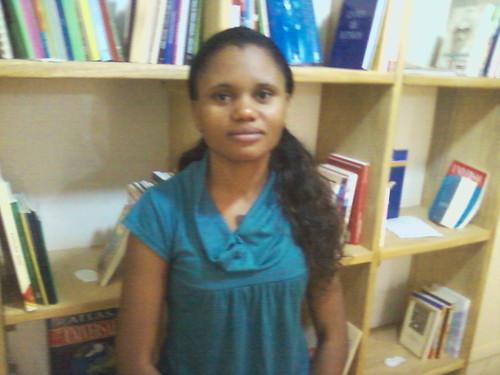 Elsa Cumbissa,Professora e Bibliotecaria - consegue juntar as duas faces da mesma moeda.Responsavel pelas activiodades extra- escolares, cuidado infantil .Telm: 943 499849