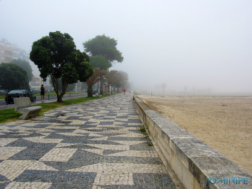 Figueira da Foz ao inicio do dia com nevoeiro - Passeio da avenida em Buarcos (2) [en] Figueira da Foz in the morning with fog - Beach walk Avenue in Buarcos
