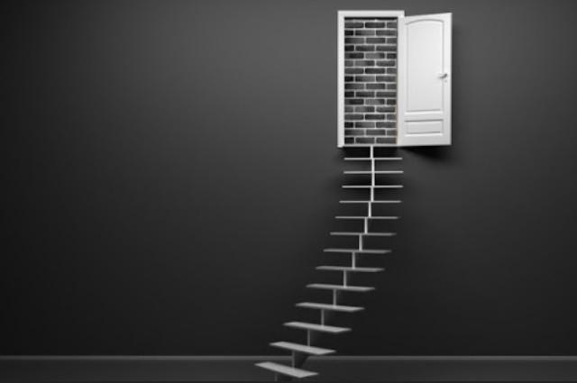EscadaPortaParede.jpg