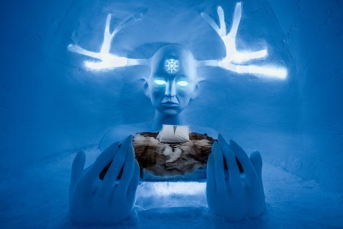 ICEHOTEL-2017-art-images-designboom-01.jpg