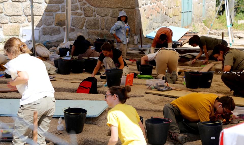 Escavações em Moreira de Rei - foto Helder Seque