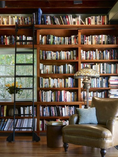 Vintage-Inspired-Home-Libraries-To-Envy-1-e1469380
