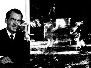 Nixon_Telephones_Armstrong_on_the_Moon_(9460942988