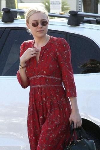 Dakota-Fanning-in-Red-Dress--07.jpg