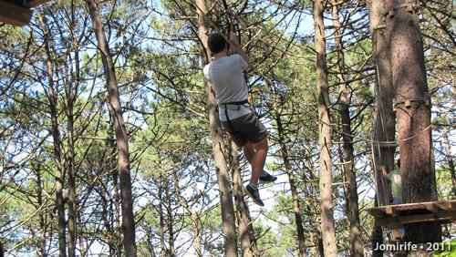 Parque Aventura: Slide para a outra árvore