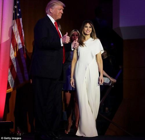 3A32977300000578-3920328-Melania_Trump_wore_a_4000