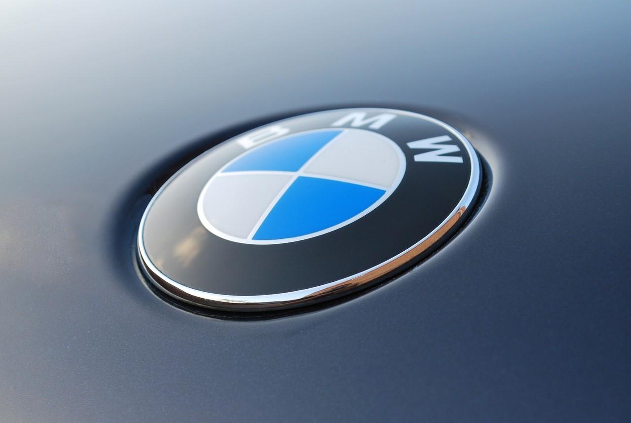 bmw logo like a man.jpg