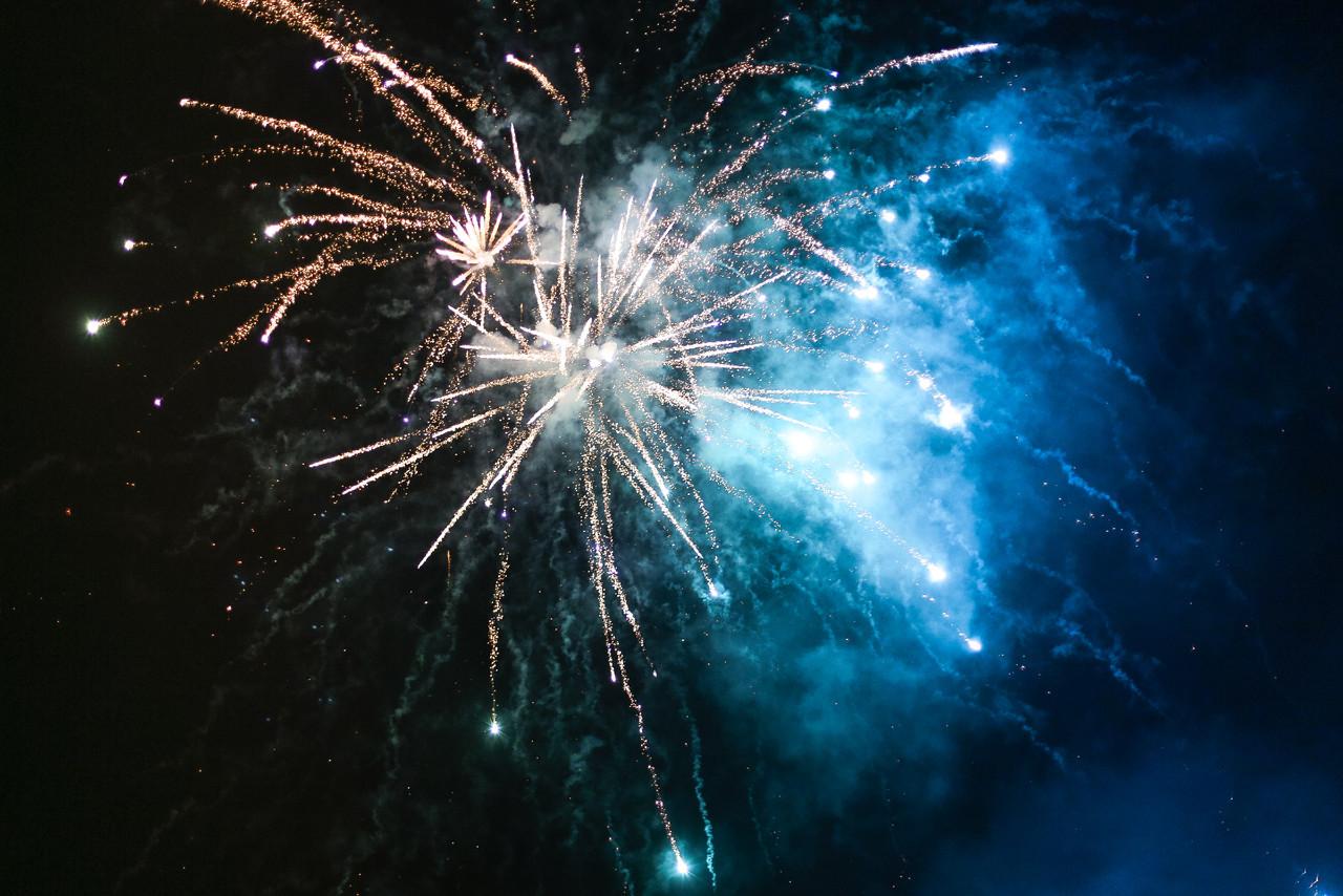 new-years-evesilvester-2015-fireworks-picjumbo-com