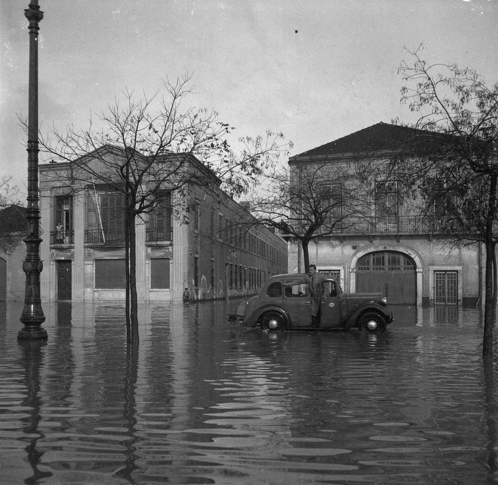 Inundações, Av. 24 de Julho, frente ao Boqueirã