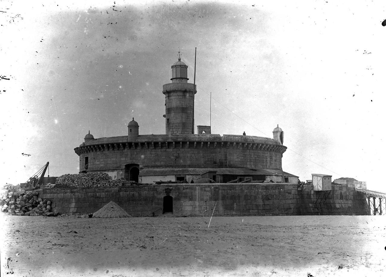 Forte do Bugio, obras de conservação.jpg