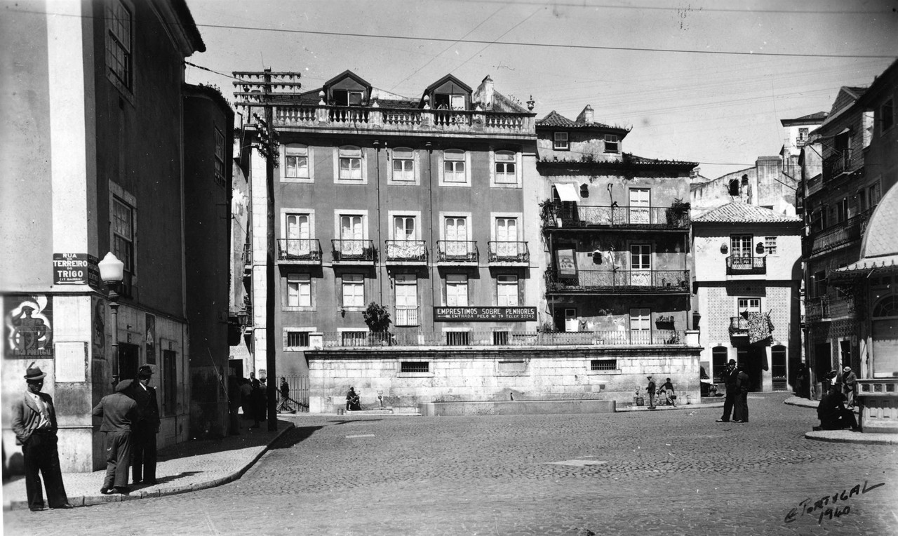 Largo do Chafariz de Dentro, 1940, foto de Eduardo