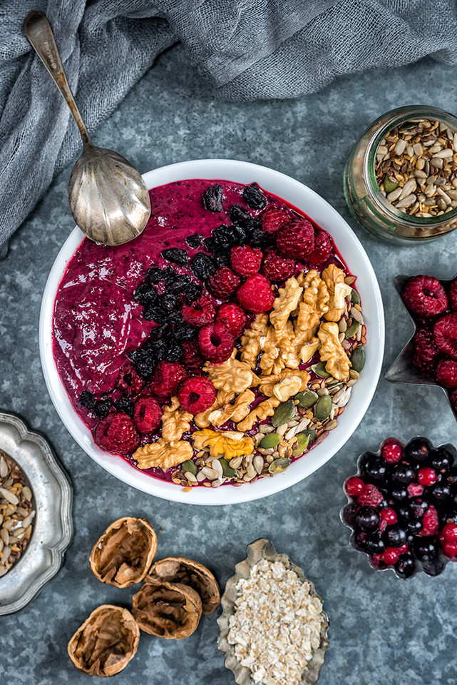 Berry_smoothie_bowl_1.jpg