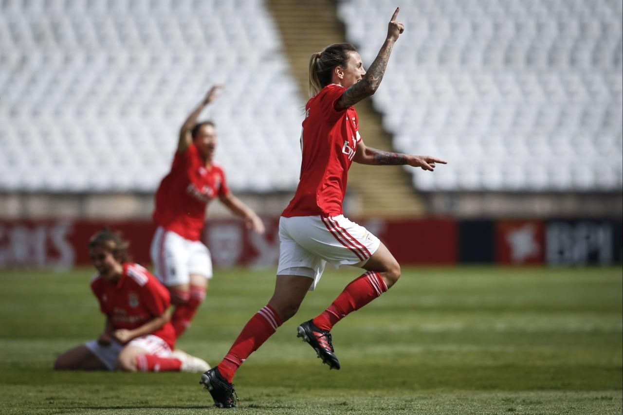 Futebol feminino_4.jpg