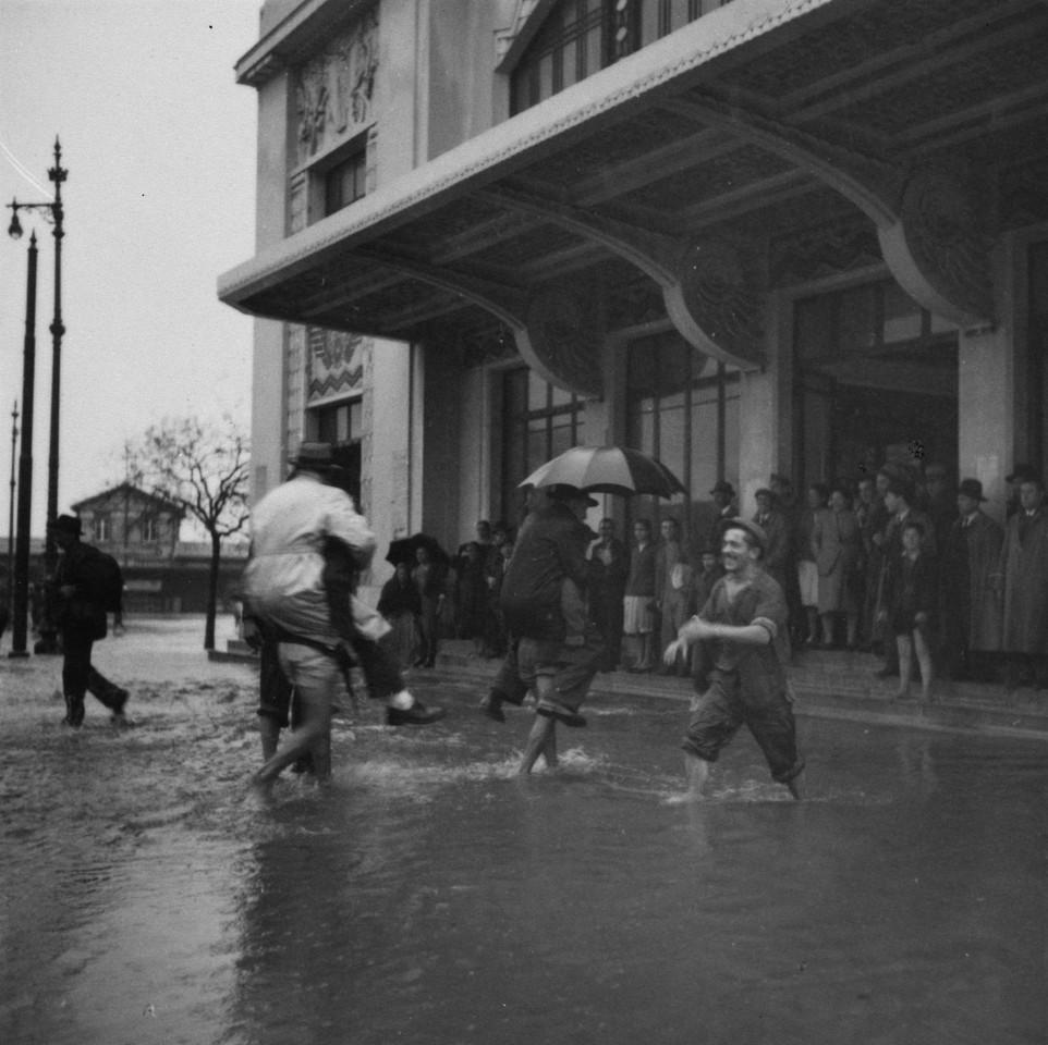 Inundações, junto da estação do Cais do Sodré