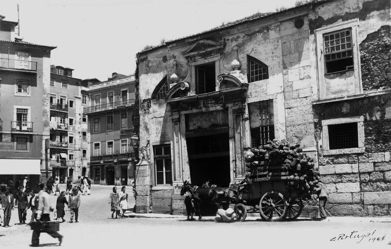 Palácio do Marquês de Alegrete, portal sul-poent