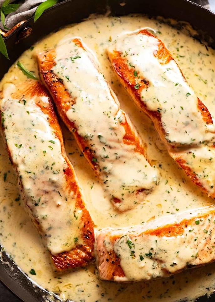 Salmon-in-Creamy-Herb-Garlic-Sauce_5.jpg