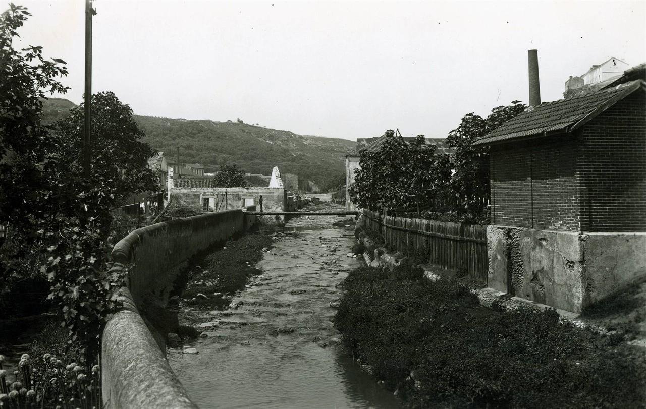 A Ribeira de Alcântara junto da Horta Navia,1944.