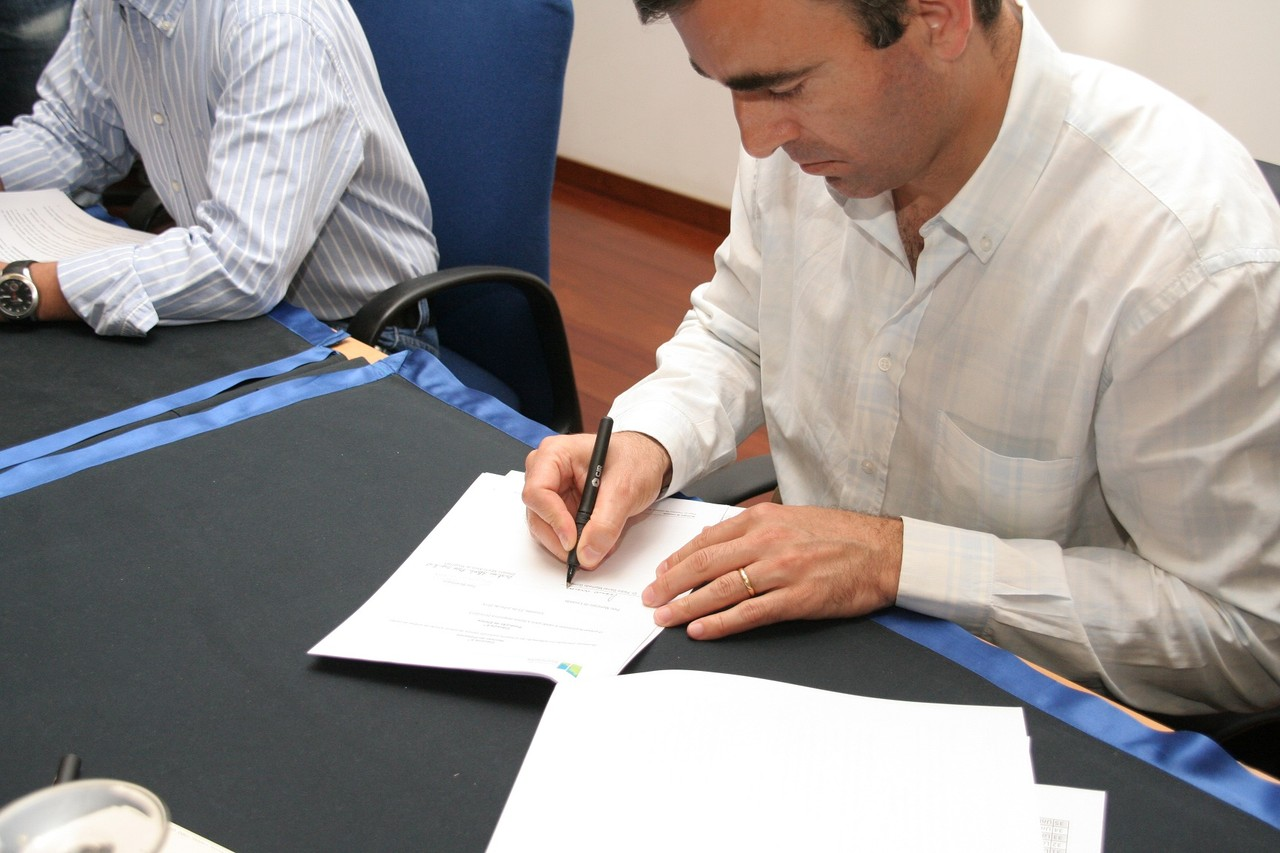 Assinatura protocolos desporto.JPG