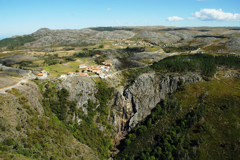 Geotourism-in-the-north-of-Portugal.jpg