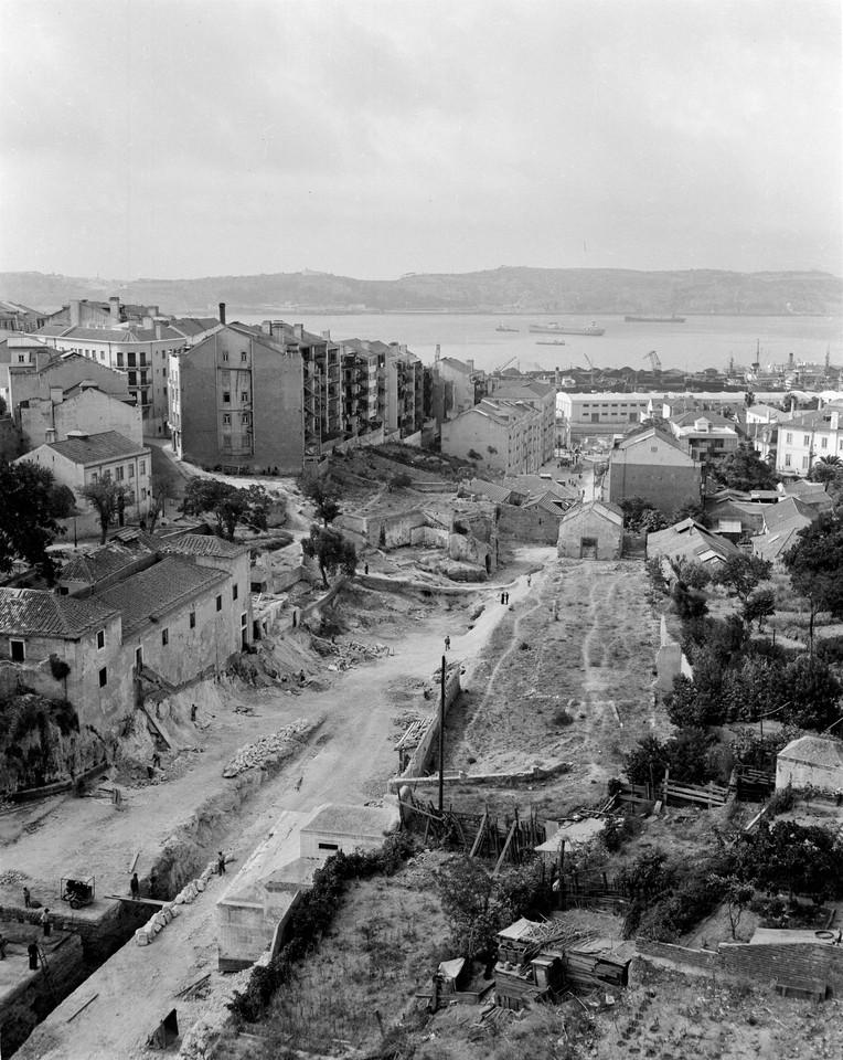 Demolições no Quartel da Cova da Moura, 1949, fo