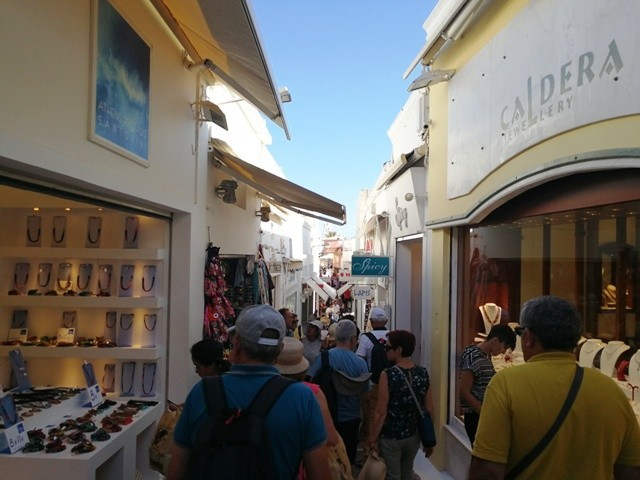 Santorini13.jpg