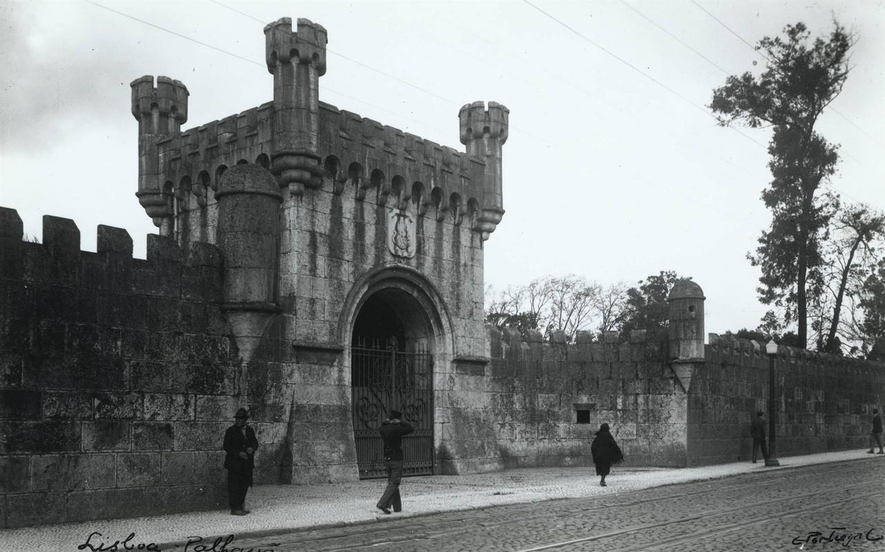Parque José Maria Eugénio, torre do portão, 194