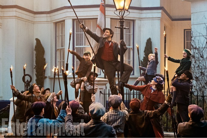 mary-poppins-returns-first-look-02.jpg