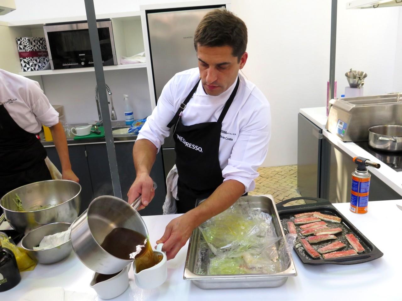 No Atelier Nespresso, Ricardo Costa e o caldo dashi