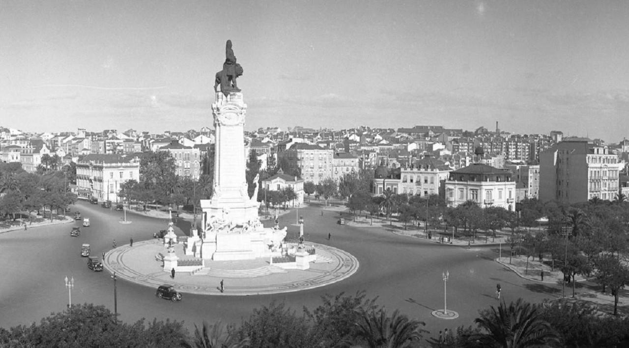 Panorâmica da praça Marquês de Pombal, ant. 194