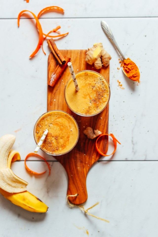 HEALTH-BOOSTING-Vegan-Golden-Milk-Smoothie-7-ingre