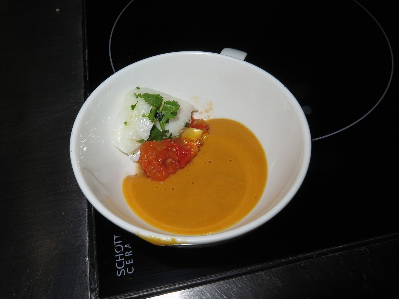 Pumpkin soup / Foie gras with green curry, tomato jam, diced mango, cod petals