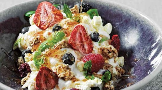 GreekYogurt549x305.jpg