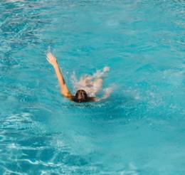 nadando-nas-costas_.jpg